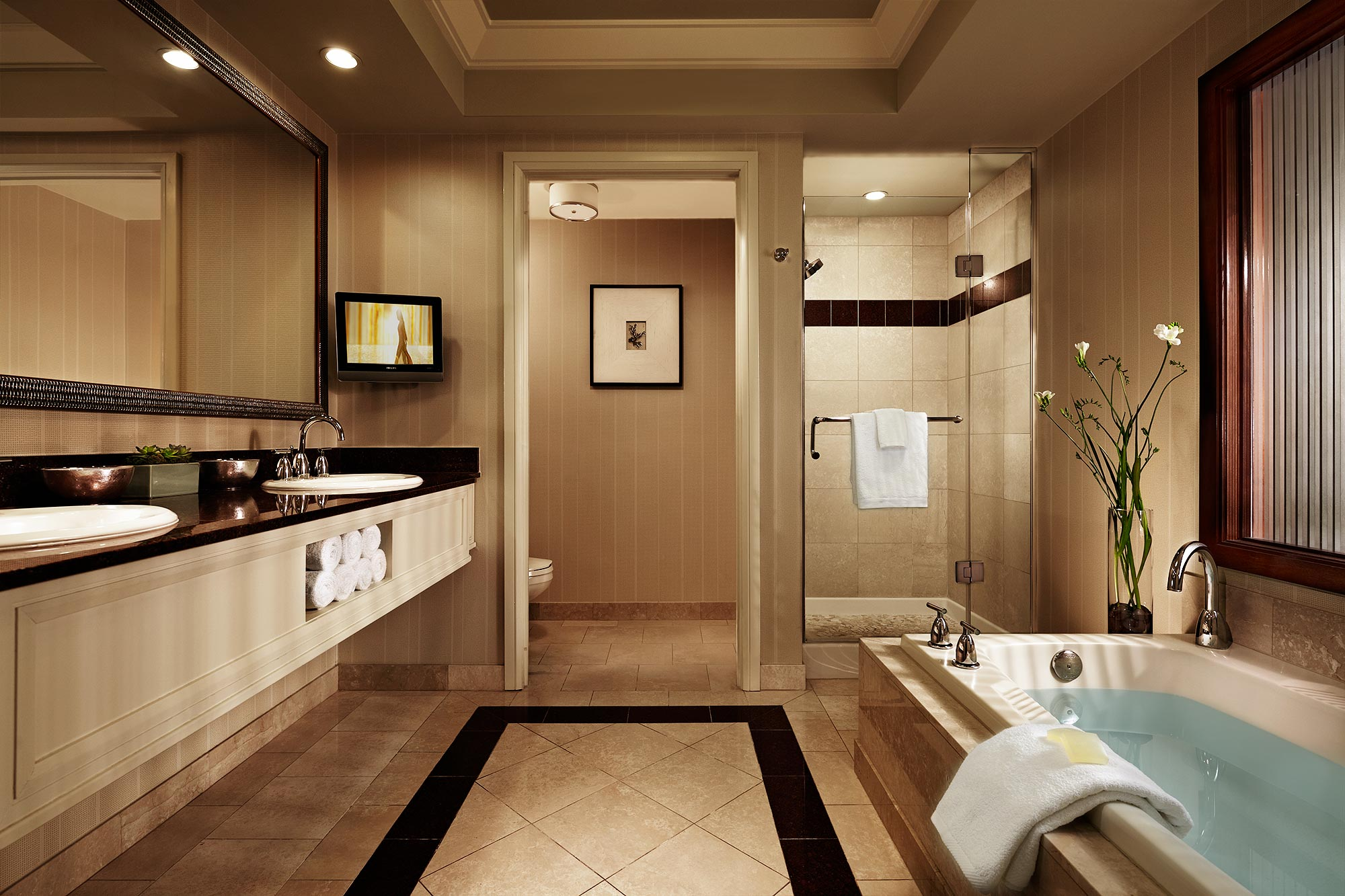 23_MBLV_Spa_Suite_bathRoom